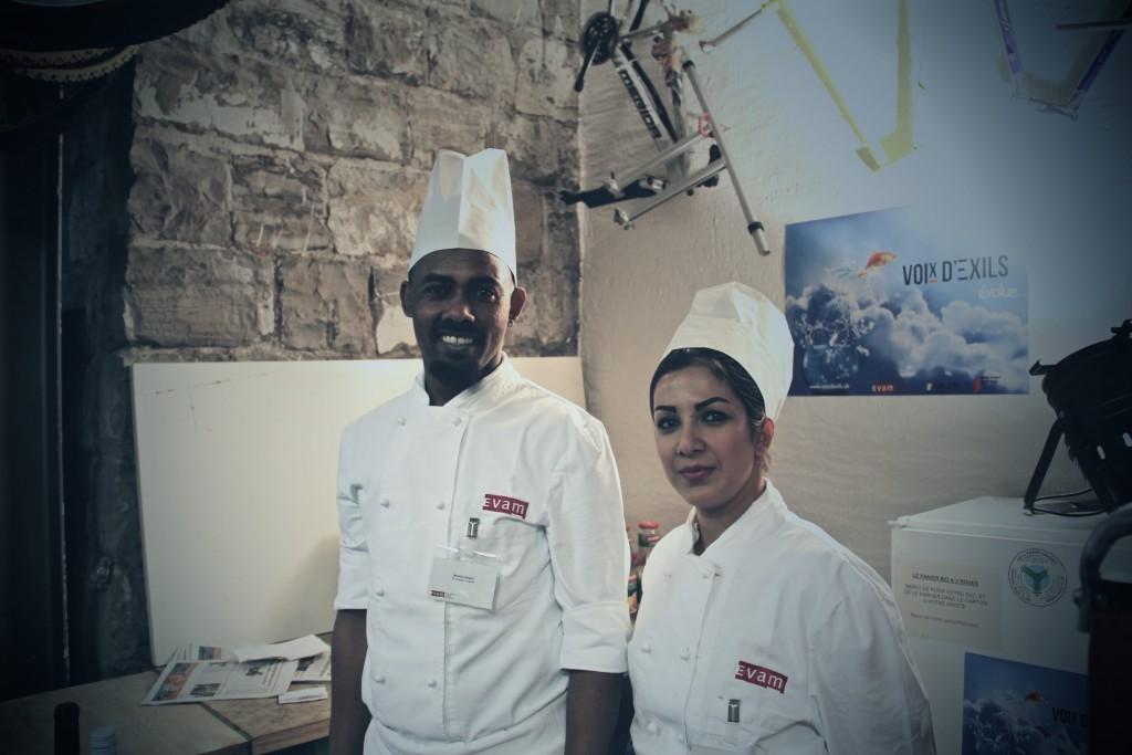 Deux participants du Programme d'activité cuisine. Auteure: Mariana Nanzer.