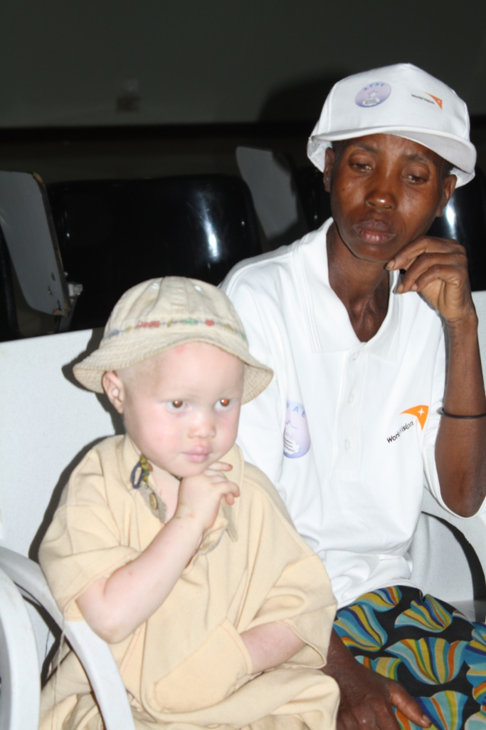 Autre femme abandonnée avec enfant. Nathalie, membre de la rédaction neuchâteloise de Voix d'Exils