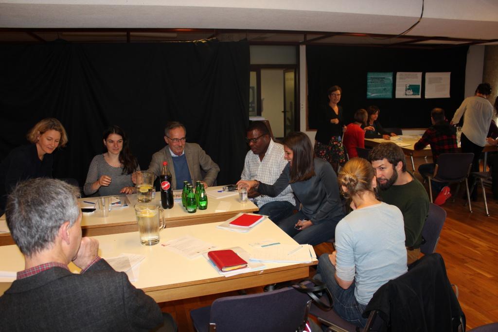 Des ateliers studieux. Photo: Giorgi, rédaction vaudoise de Voix d'Exils
