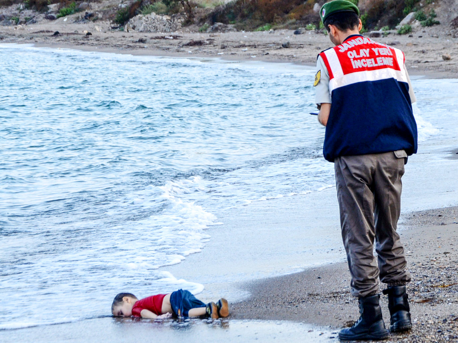 The dead body of Aylan Kurdi. Freedom House Domaine public