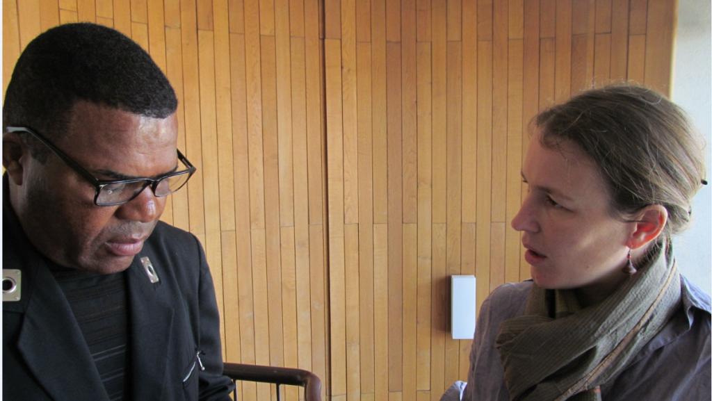 Niangu Nginamau en interview avec Cristina Del Biaggio