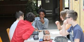 Migrants à la rencontre des écoliers valaisans